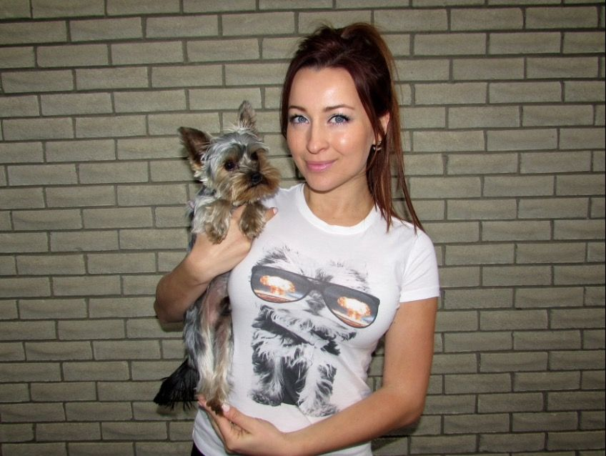 Ashley Leggat - Arm The Animals